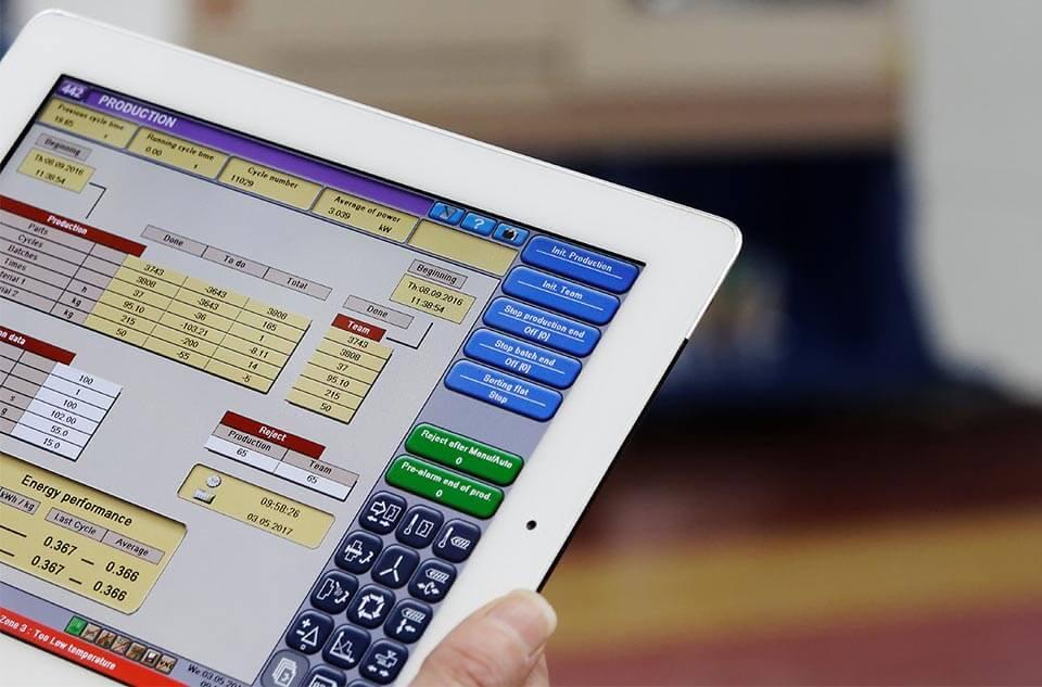 EasyConnect - Spritzgießmaschinen sind in das Firmennetzwerk integriert